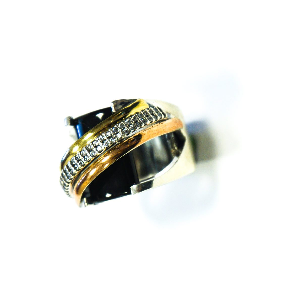 Elegant Sterling Silver 9.25 Ring with Goldtone Plating